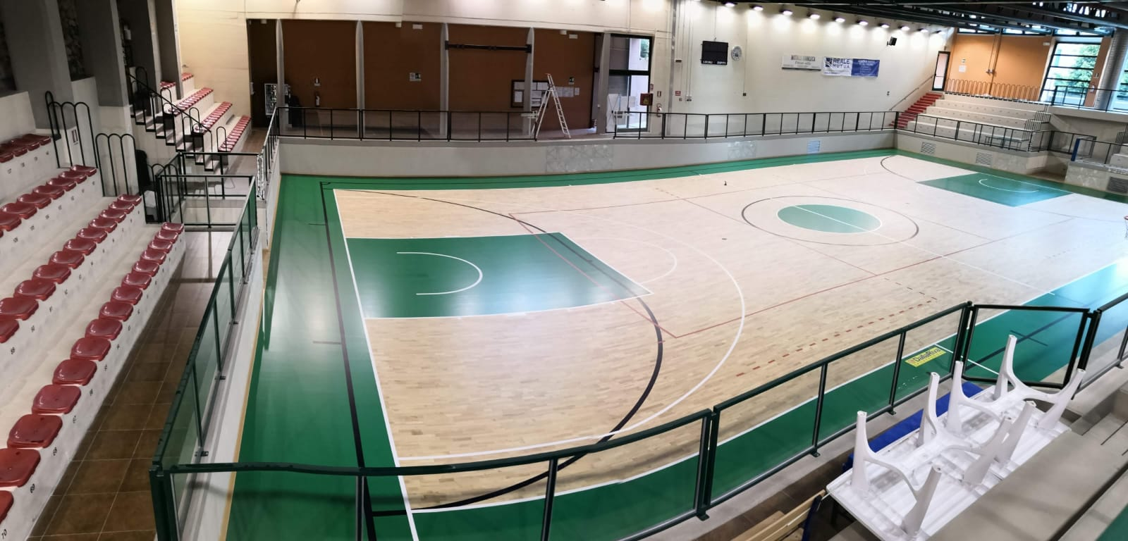 A solid and robust sports parquet