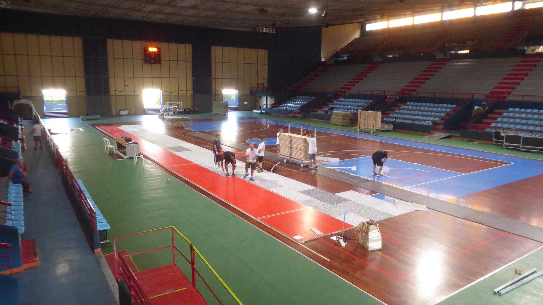 The installation phases of the sports parquet