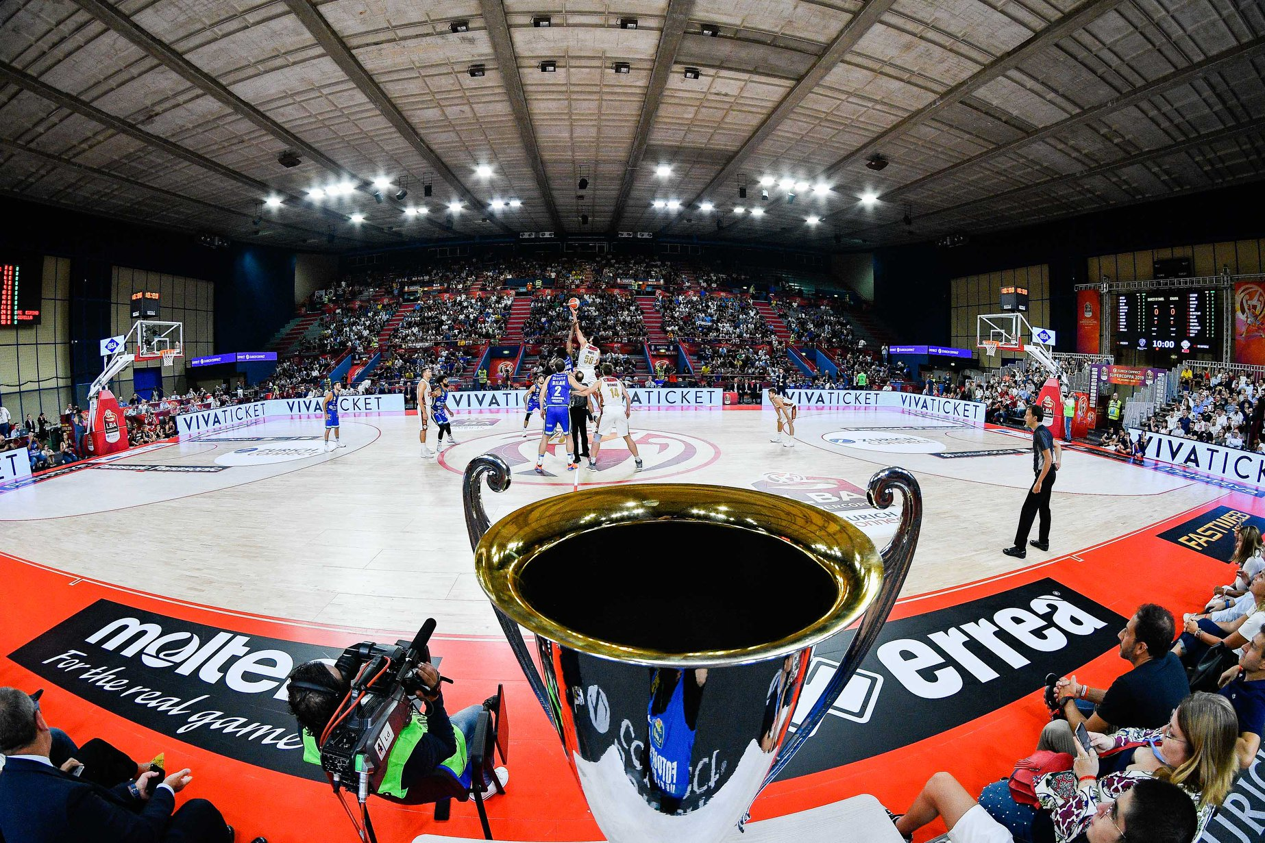 The cup and the beginning of the Final