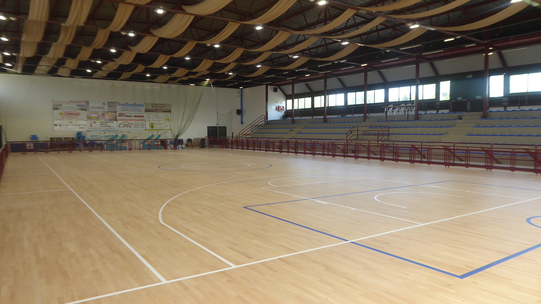 Refurbishment of the sports flooring of the PalaRegnani of Scandiano