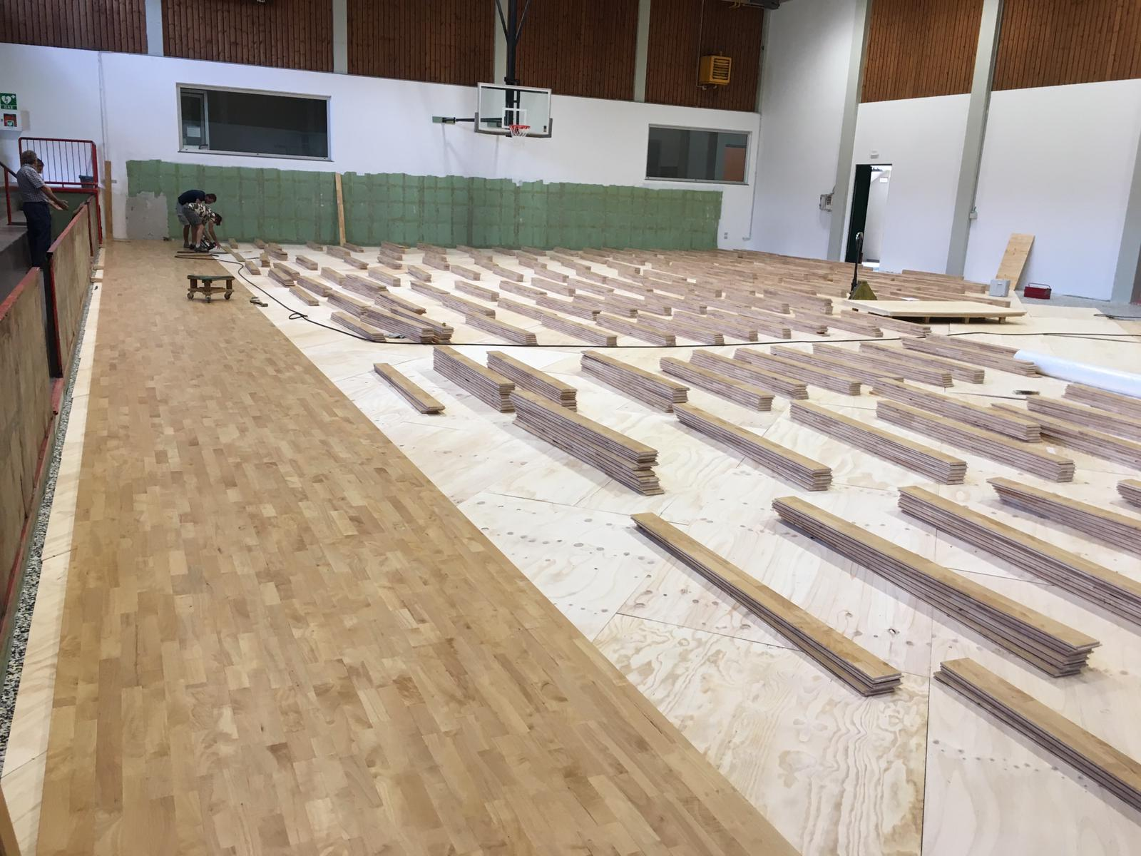 The laying of the new sports parquet