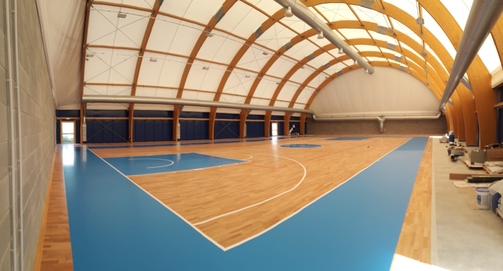 New sports flooring in Tuscany